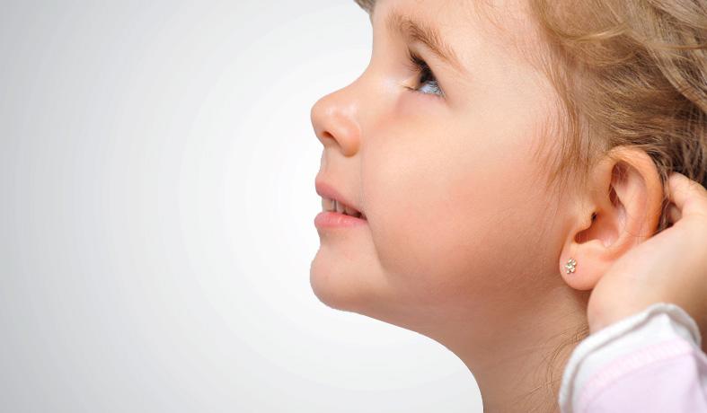 Foratura lobi e piercing al naso
