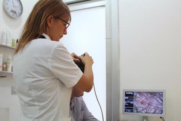 Contro la caduta dei capelli è iniziata la campagna della Farmacia Di Nardo. df7a9bf2fab8